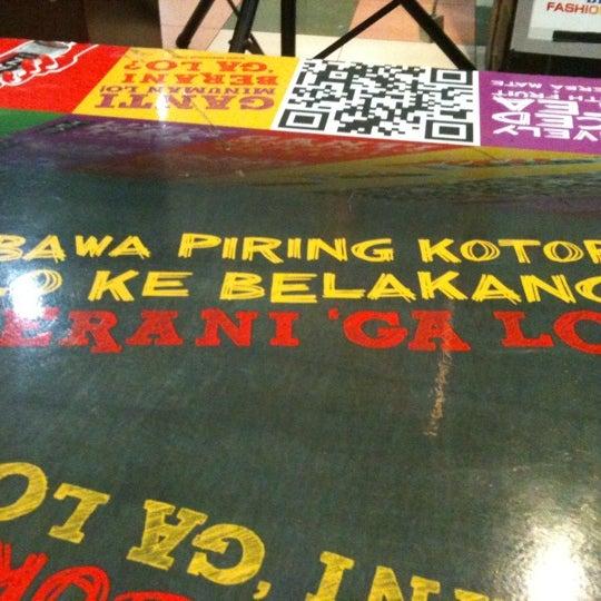 Photo taken at Bandung Trade Centre - BTC Fashion Mall by Afri J. on 10/1/2011