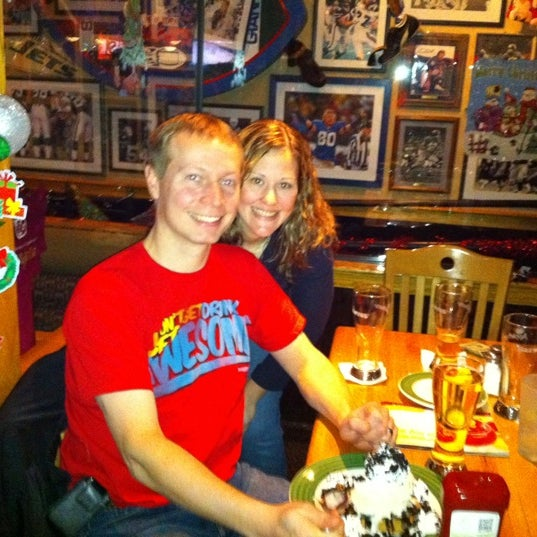 Photo taken at Applebee's Neighborhood Grill & Bar by Janet S. on 12/27/2011