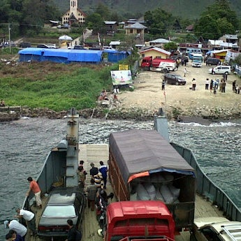 Photo taken at KMP Ferry Tao Toba Ajibata by Jordan Obed Partogi H. on 12/28/2011