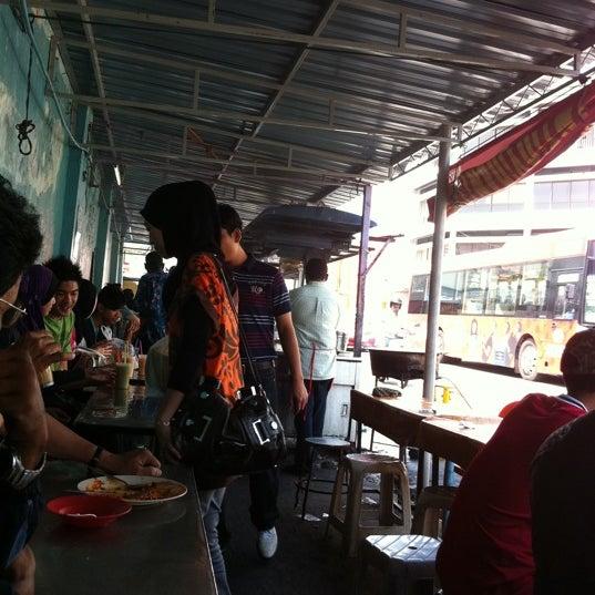 Photo taken at Roti Canai Transfer Rd. by Salamun A. on 9/3/2011