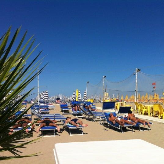 Foto scattata a Bagno Adriatico 62 da Mattia L. il 7/13/2012