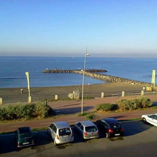 Photo taken at Ostia by suwit y. on 9/11/2011