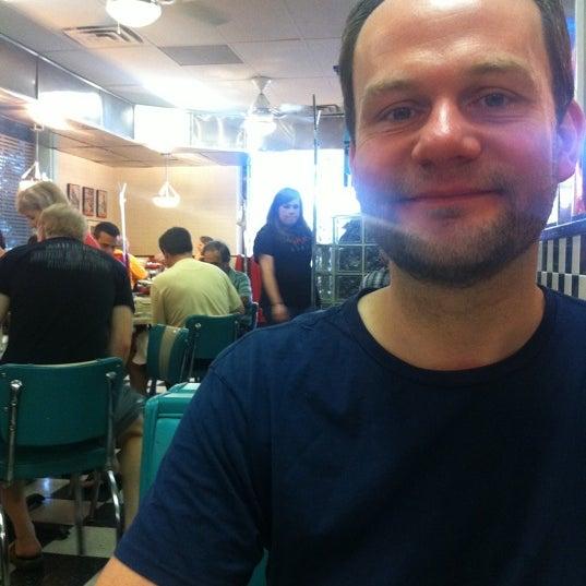 Photo taken at Hub City Diner by Alejandro A. on 5/1/2011