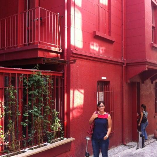 9/1/2012 tarihinde Esra G.ziyaretçi tarafından Masumiyet Müzesi'de çekilen fotoğraf