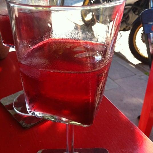 8/20/2011 tarihinde Gözde M.ziyaretçi tarafından Ada Cafe'de çekilen fotoğraf