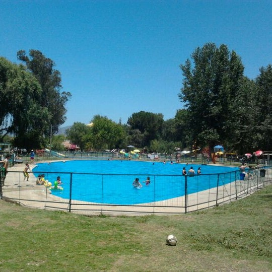 Camping don yayo 9 tips de 215 visitantes for Camping piscina toboganes