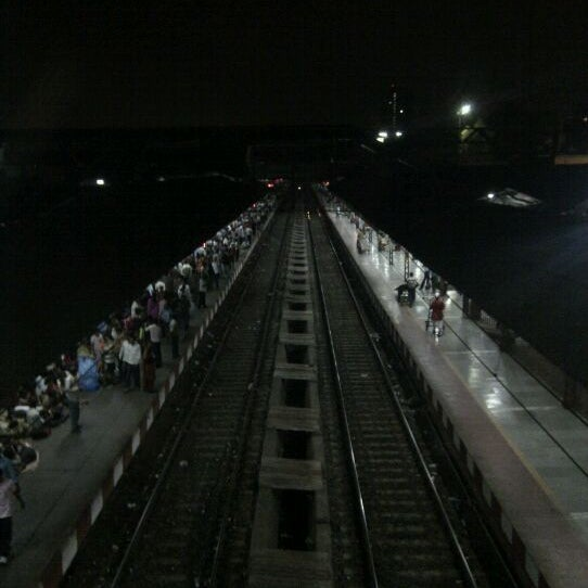 Photo taken at Dadar Railway Station by Hansel F. on 5/9/2011
