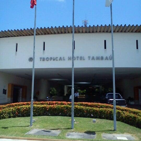 Foto tirada no(a) Tropical Hotel Tambaú por Paulo Thiago S. em 11/3/2011