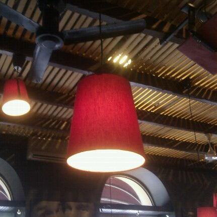 Снимок сделан в Papa's Bar & Grill пользователем Anton K. 9/13/2011
