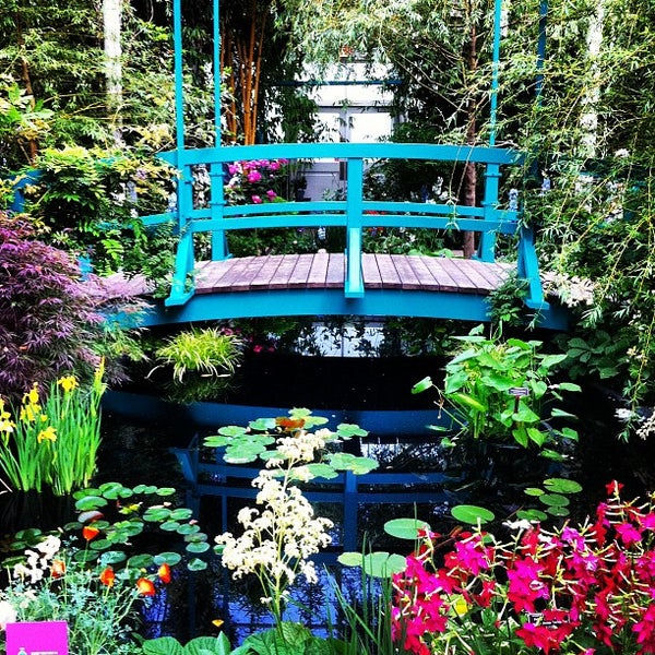 Photo taken at Enid A. Haupt Conservatory by Christopher C. on 5/27/2012
