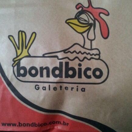 Photo taken at Bondbico Galeteria by Rodolpho C. on 10/15/2011