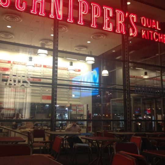Photo taken at Schnipper's Quality Kitchen by Mia P. on 6/7/2012