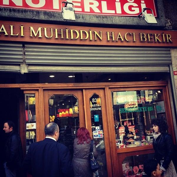 3/21/2012 tarihinde Юнтач Г.ziyaretçi tarafından Ali Muhiddin Hacı Bekir'de çekilen fotoğraf