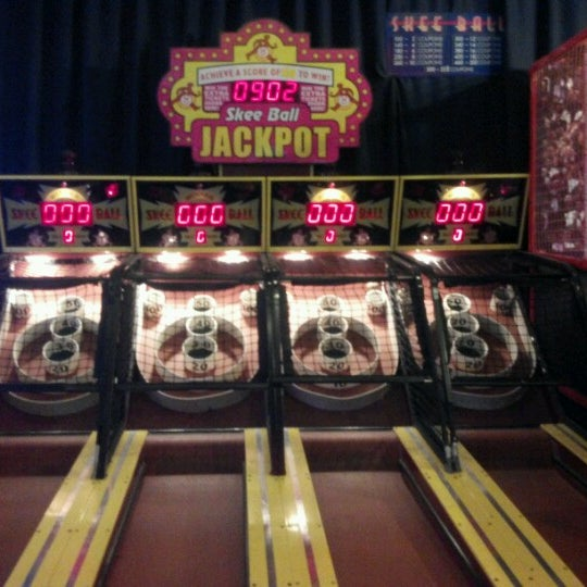 Photo taken at Dave & Buster's by Justin S. on 6/29/2012