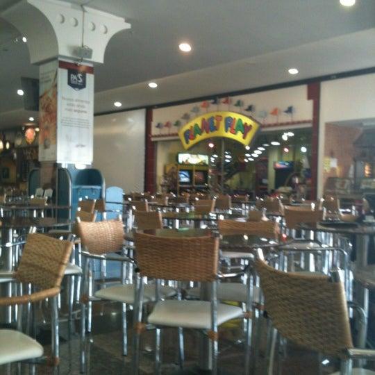 Foto tirada no(a) JL Shopping por Jocemar D. em 5/26/2012