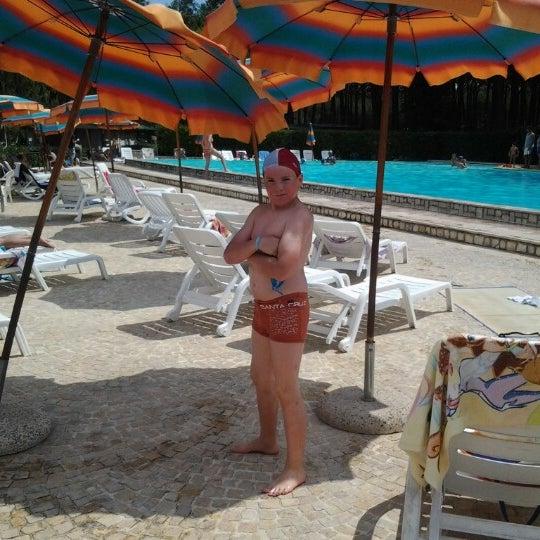 รูปภาพถ่ายที่ Camping Free Beach โดย Redgy V. เมื่อ 8/12/2012