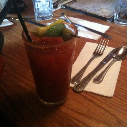 Снимок сделан в Annie's Cafe & Bar пользователем Erin S. 2/12/2012