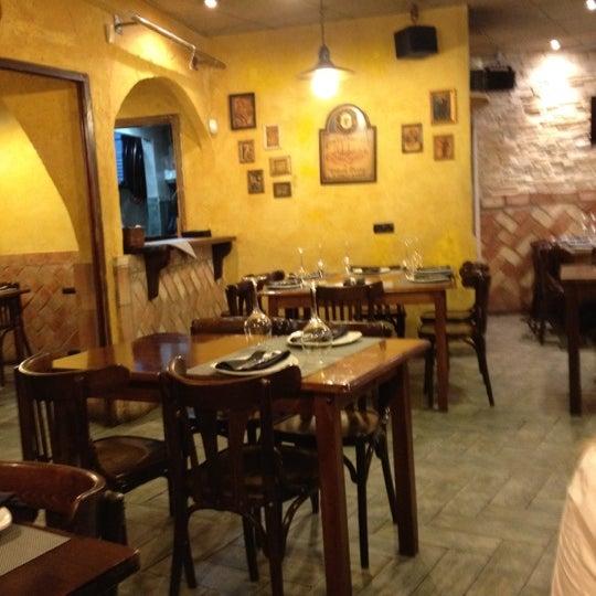 Das Foto wurde bei Restaurante Rústico von Jorge M. am 2/18/2012 aufgenommen