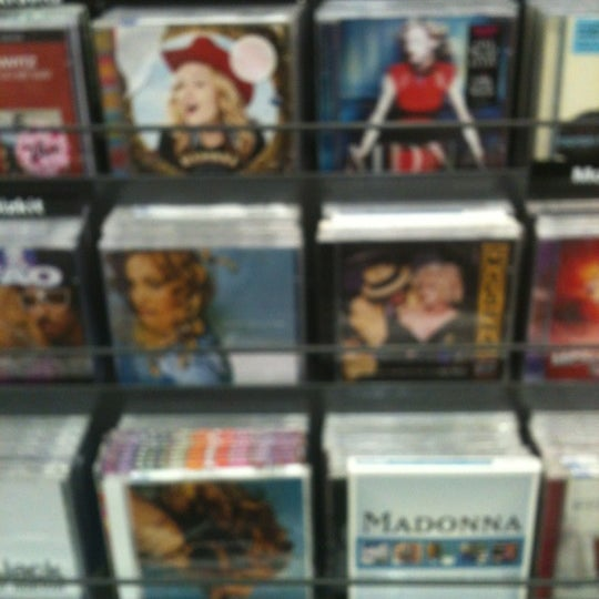 Photo taken at Saraiva MegaStore by André T. on 8/17/2012