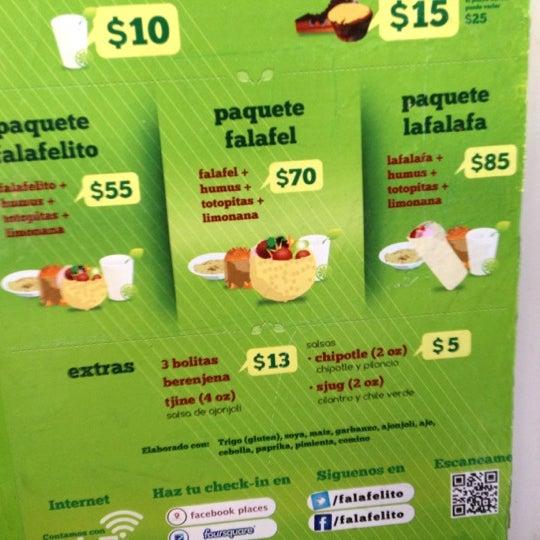 Foto tomada en Falafelito por Carlos T. el 7/26/2012