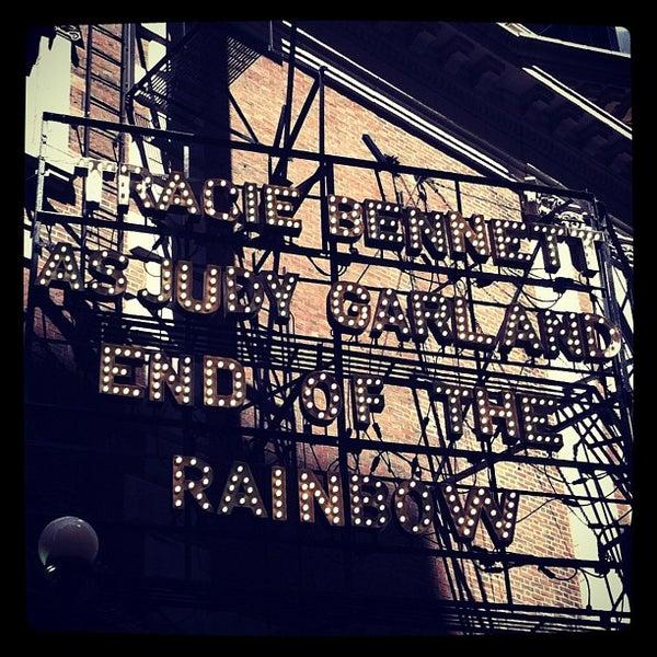 รูปภาพถ่ายที่ Belasco Theatre โดย NOOOOOO E. เมื่อ 5/20/2012