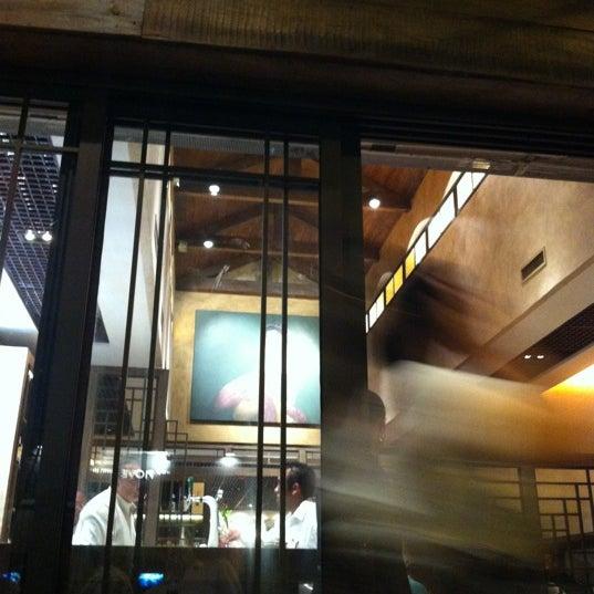 Foto tirada no(a) Sakagura A1 |  酒倉 por estudio m. em 9/13/2012