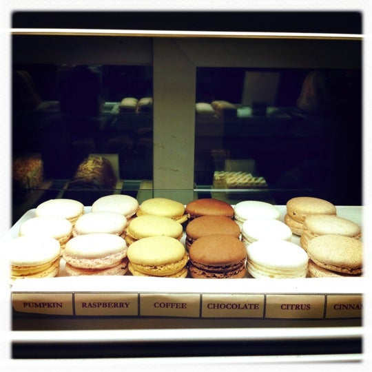Macaroons are $1 now... And rarely an available table! But so worth it!!!!