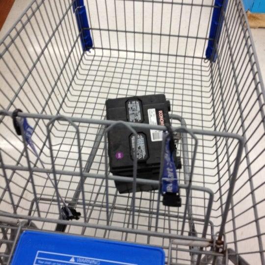 Photo prise au Walmart par Dante' M. le7/6/2012
