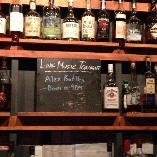 Das Foto wurde bei Sycamore Flower Shop + Bar von Jeremy B. am 5/9/2012 aufgenommen