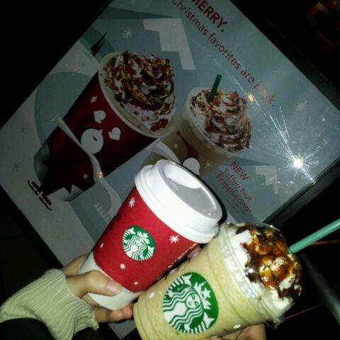 Photo taken at Starbucks Coffee ひたち野うしく店 by さとぽん on 11/2/2011