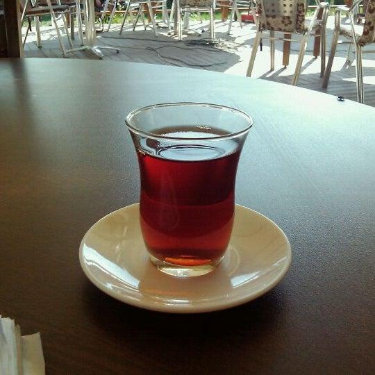 10/6/2011 tarihinde Enes Emin T.ziyaretçi tarafından Durak Muhallebicisi'de çekilen fotoğraf