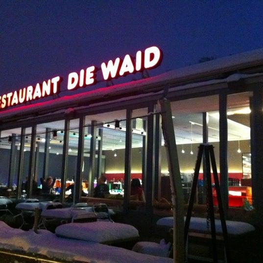 Das Foto wurde bei Restaurant Die Waid von Mino G. am 12/20/2011 aufgenommen