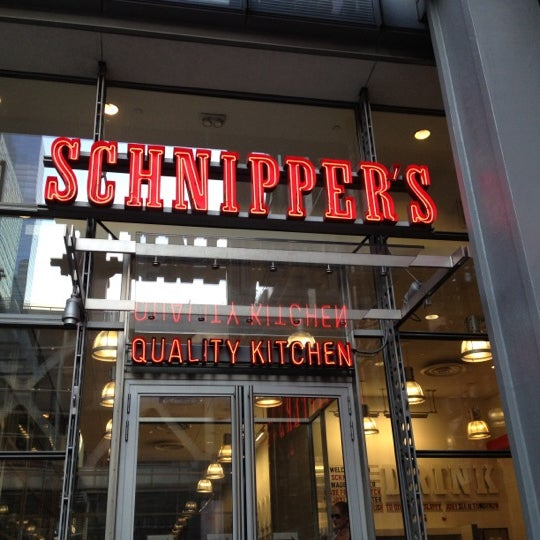 Photo taken at Schnipper's Quality Kitchen by Marina S. on 7/8/2012