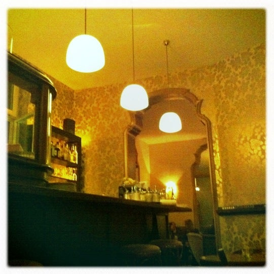 Das Foto wurde bei Café Maingold von Lenara V. am 9/26/2011 aufgenommen