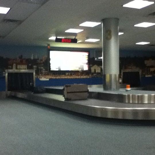 Foto tomada en Burlington International Airport (BTV) por Hyun Kyu C. el 1/8/2012