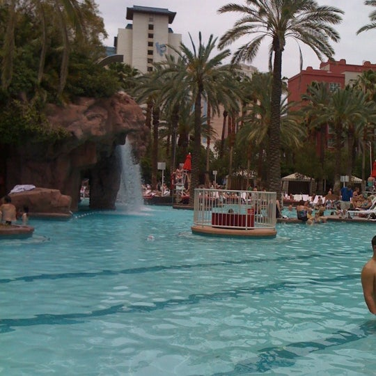 Photo taken at Flamingo GO Pool by Amy D. on 6/1/2011