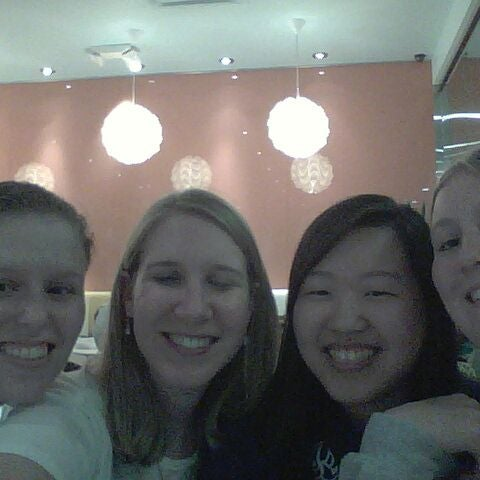 Photo taken at Pinkberry by Lydia Q. on 8/27/2011