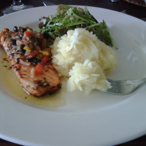 Great ambience, good service, tasty food, but portions a bit paltry for the price.  I had the herb crusted salmon.  Oo-la-la!