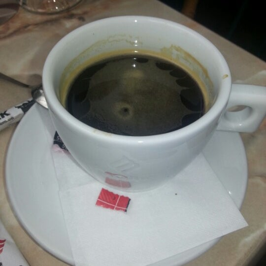 Das Foto wurde bei Café Bon Apрétit von Это Я. am 8/15/2012 aufgenommen
