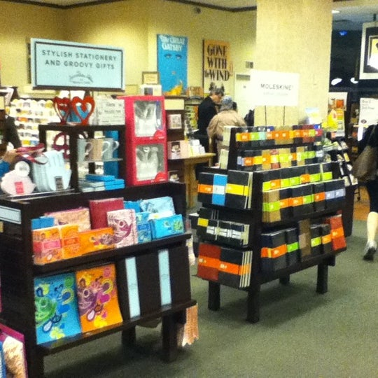 Photo taken at Barnes & Noble by tiryaki on 3/12/2011