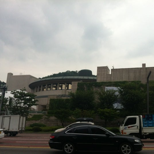 Photo taken at Seoul Arts Center by 김영기 K. on 8/16/2012