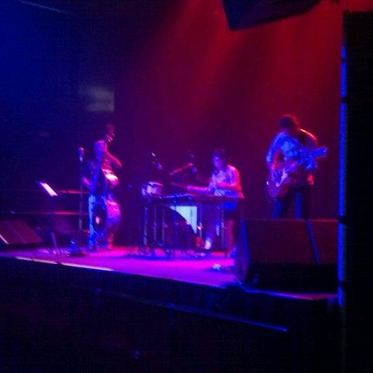 รูปภาพถ่ายที่ Summit Music Hall โดย Jason S. เมื่อ 7/13/2012