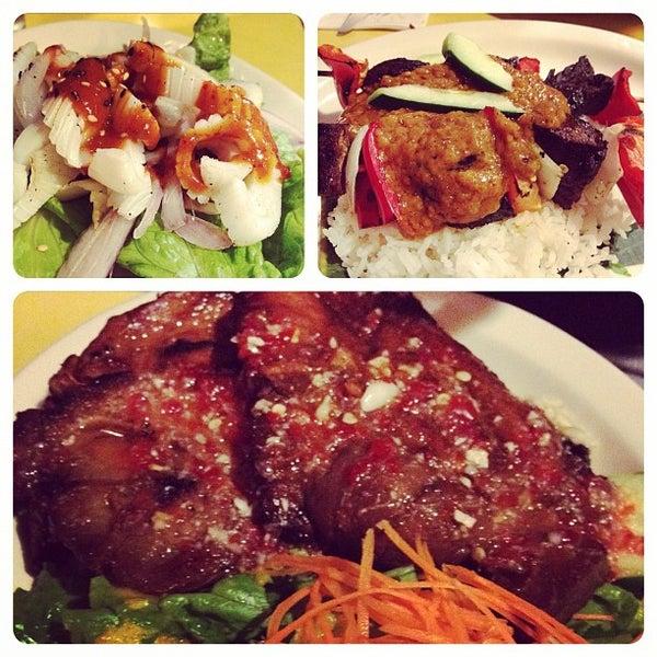 Photo taken at Mooncake Foods by Joella L. on 11/18/2011
