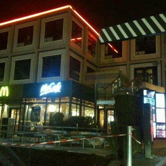 mcdonald 39 s fast food restaurant in clermont ferrand. Black Bedroom Furniture Sets. Home Design Ideas