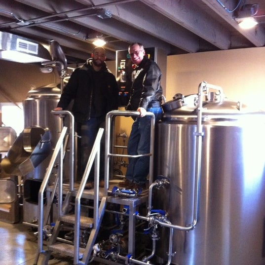Photo taken at Obed & Isaac's Microbrewery and Eatery by Karen C. on 1/1/2012