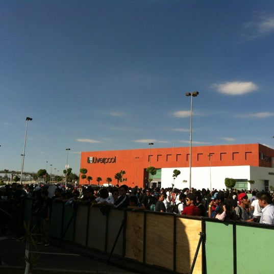 Photo taken at Centro Las Americas by Harold H. on 5/18/2012