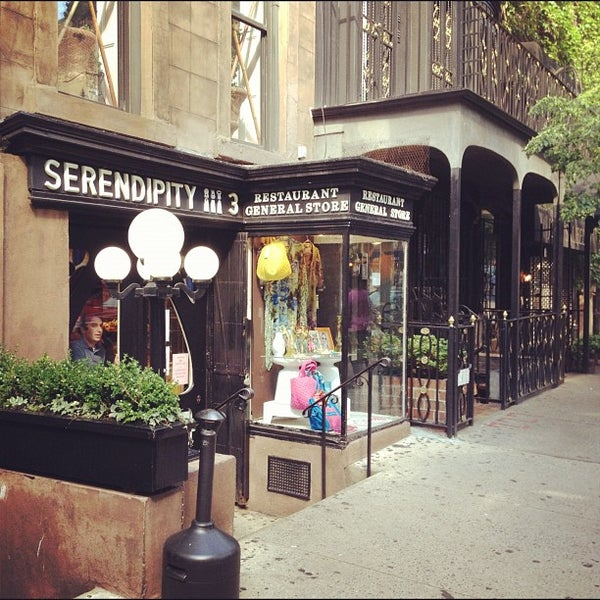 Photo taken at Serendipity 3 by Bastian B. on 5/28/2012