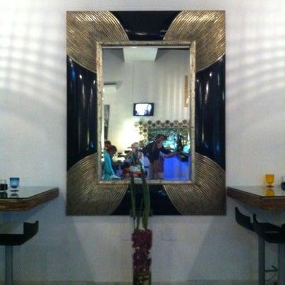 Foto tomada en El Espejo Gastrobar por Lour P. el 8/5/2012