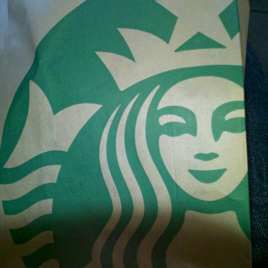 Photo taken at Starbucks by Ricardo A. on 8/19/2012