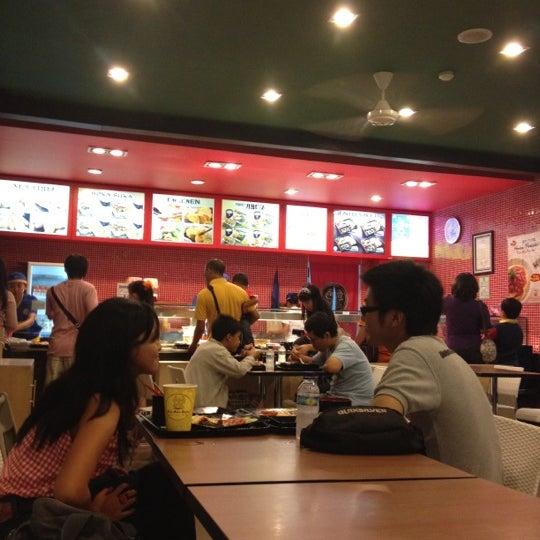 Photo taken at HokBen by Aditio W. on 8/11/2012